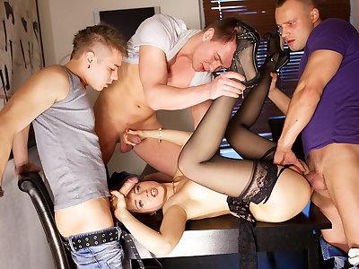 Gangbang porno role of be useful to peachy Taissia-Shanti